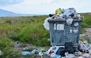 odpady na ulicach